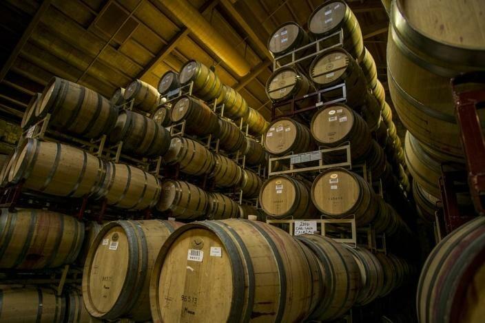 Вино в бочках защищено от фальсификата